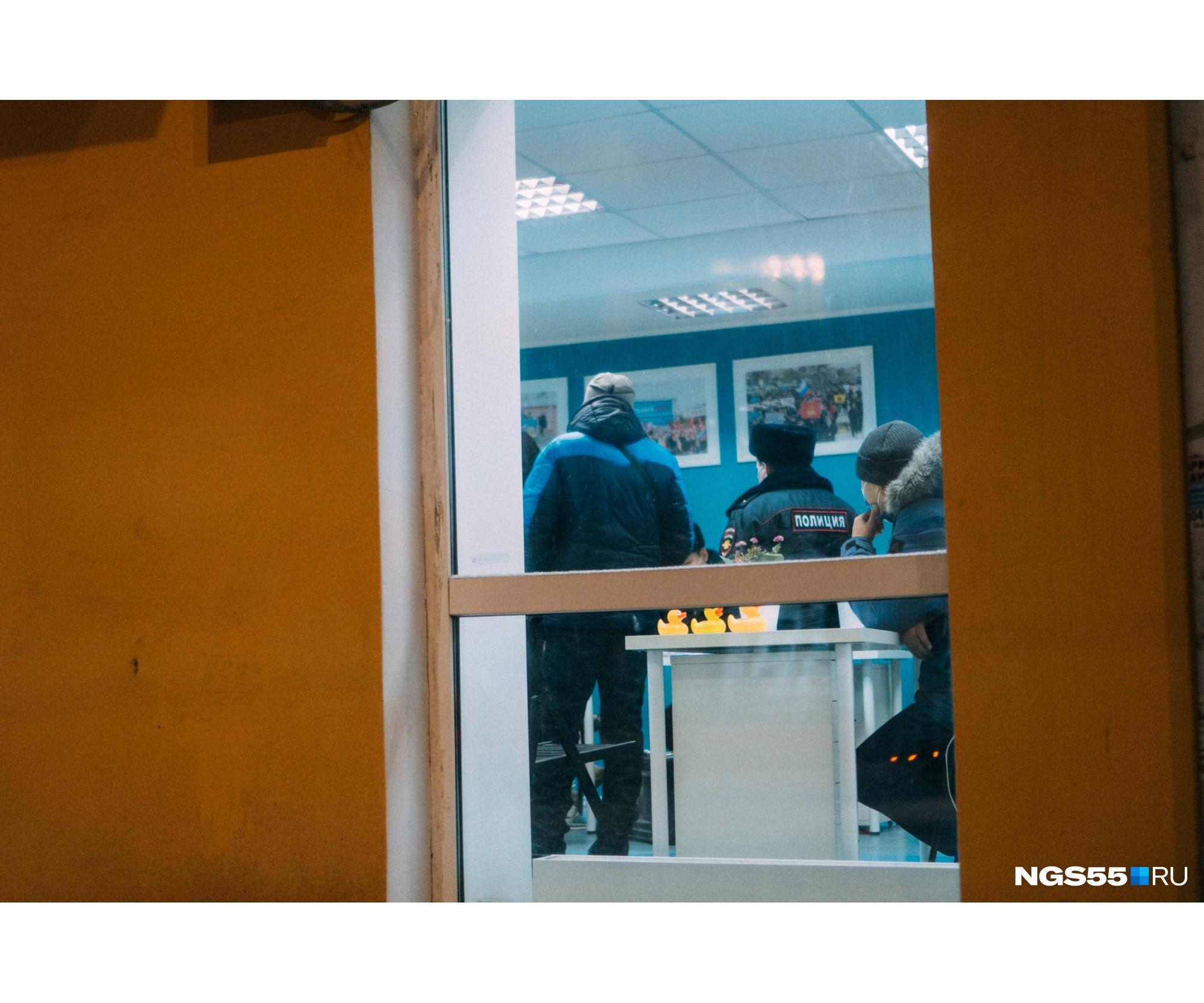 """Все, кто смотрит антикоррупционные расследования команды Навального, знают, что значит желтая уточка и где она живет. Последнее видео — о резиденции в Геленджике, где якобы отдыхает президент Владимир Путин, за сутки набрало более <nobr class=""""_"""">25 миллионов</nobr> просмотров"""