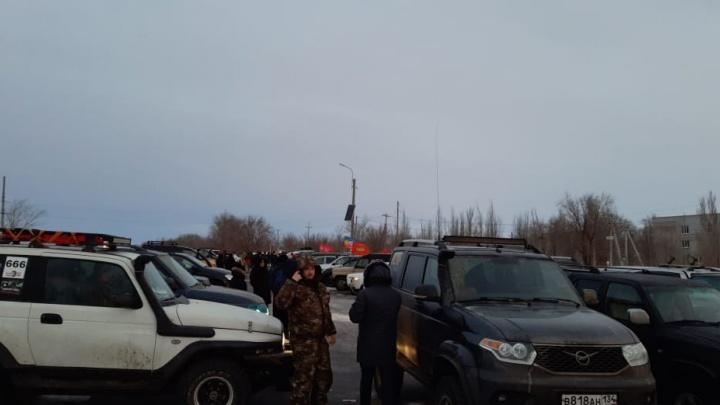 Это нужно живым: волгоградские джиперы почтили память павших защитников Сталинграда