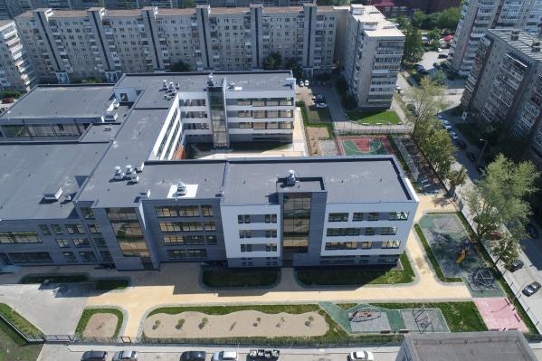 Строительство современной школы на Уралмаше обошлось в 862,8 миллиона рублей