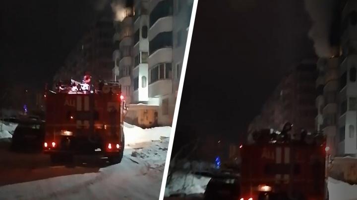 На Тульской произошел пожар на шестом этаже— над домом заметили столб дыма