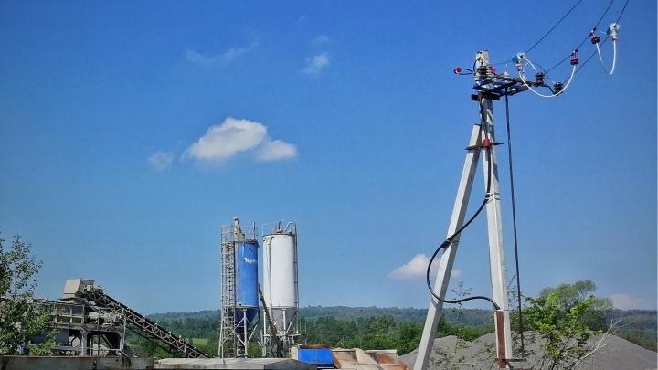 Филиал «Россети Урал» — «Челябэнерго» обеспечил электроснабжение асфальтобетонного завода в Симе