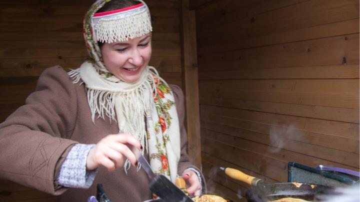 Печь блины, кататься на коньках и залезать на столб: где в Архангельске отпраздновать Масленицу