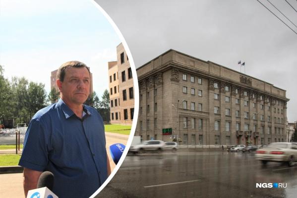 Константин Головин руководит управлением с 2015 года, оно курирует строительство социальных объектов в Новосибирске. В основном это детсады и школы