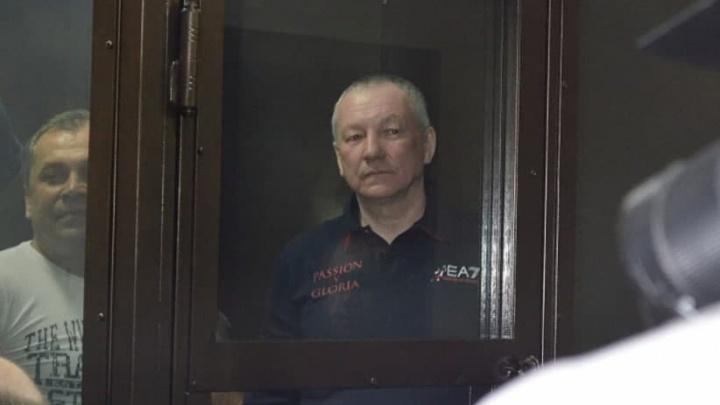 Дочь бывшего вице-мэра Екатеринбурга, осужденного за заказные убийства, вызвали на допрос