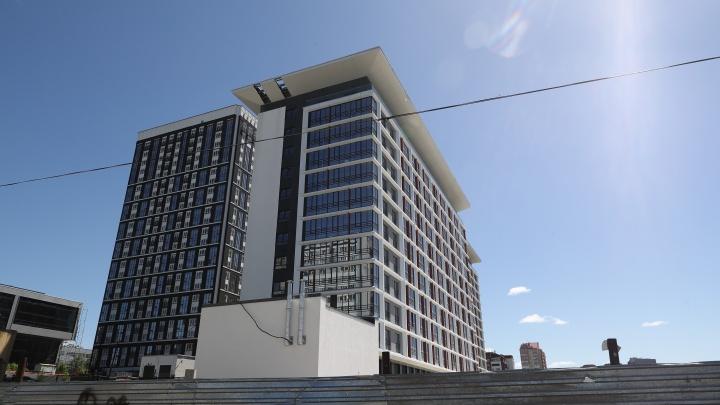 На берегу Оби достроили гостиницу — на работы ушло полтора года