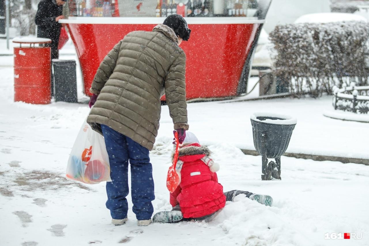 Такого снега детишки ждали давно