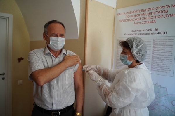 Михаил Боровицкий привился от коронавируса
