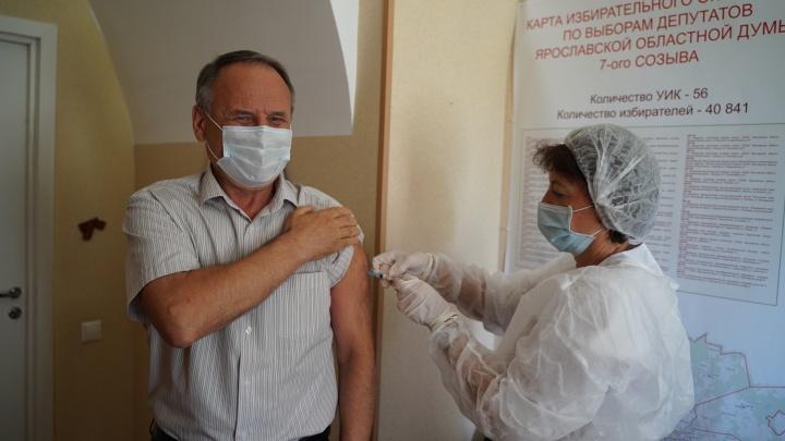 Около половины депутатов Ярославской областной думы не привились от коронавируса, хотя должны