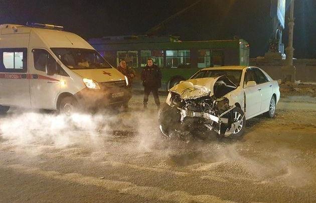 На Коммунальном мосту произошла авария — пострадали три человека