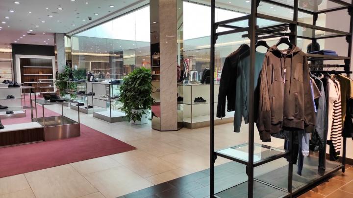 «Пассаж» открыт и работает: что сейчас происходит в одном из самых именитых торговых домов Тюмени