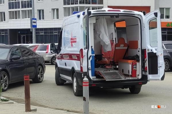 Девушке оказали помощь медики скорой