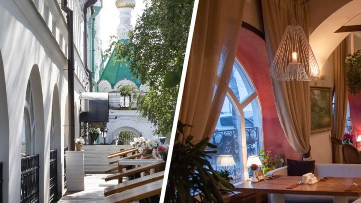 Открытые и теплые террасы Архангельска: где перекусить на свежем воздухе и внутри, но с видом на улицу