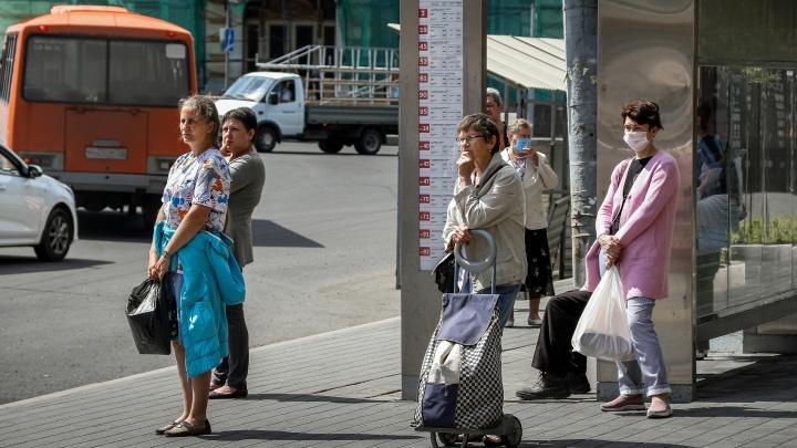 Т-98, Т-47, 60Э. «Умная остановка» на площади Минина и Пожарского показывает давно исчезнувшие маршруты