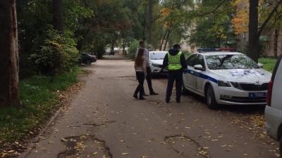В Ярославле машина проехала по ногам двухлетнего мальчика, водитель скрылся с места ДТП