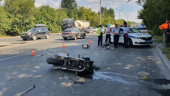 На Бердском шоссе разбился мотоциклист