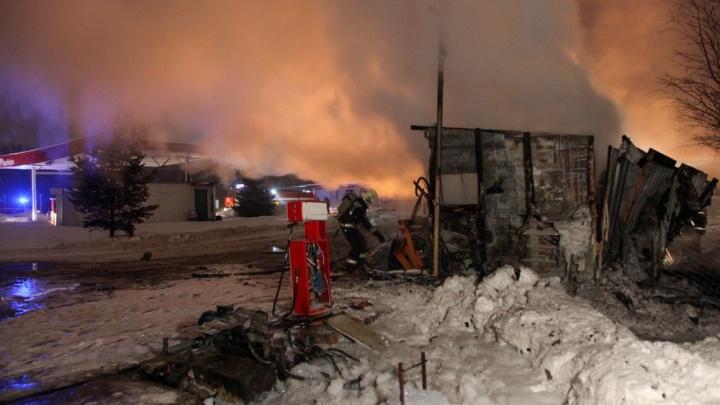 В Архангельске горела заправка. Собственник с осени игнорировал требования устранить нарушения на ней
