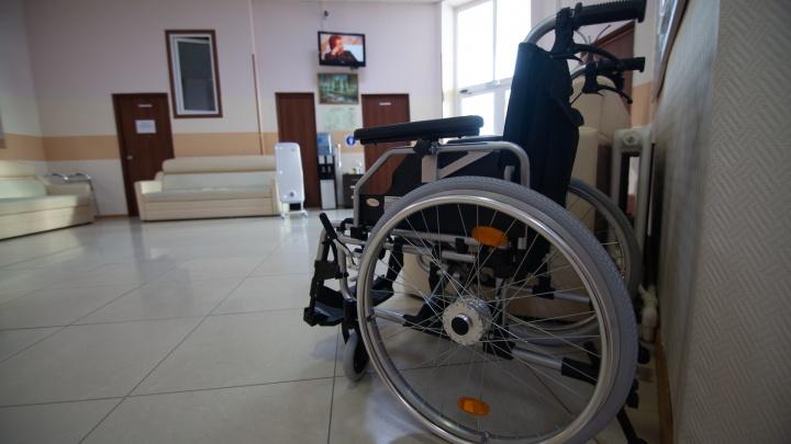 Прокуратура хочет закрыть все легальные пансионаты для пожилых в Тюмени. В списке — «Богадельня» и «Милосердие»