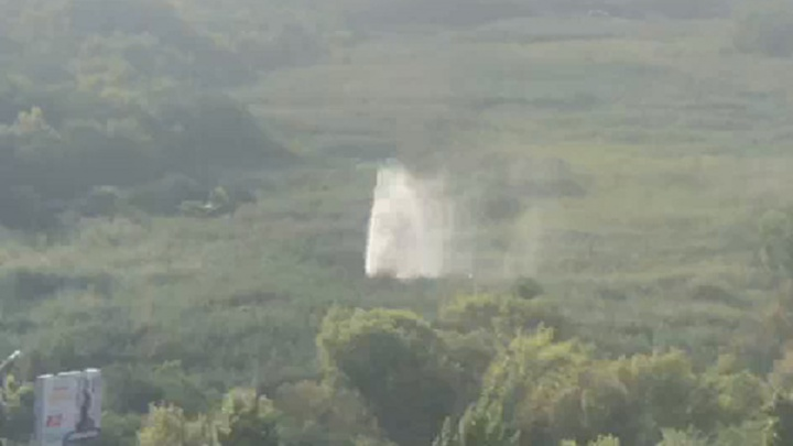 «Там вырос гигантский фонтан»: обветшалый водопровод снова топит пойму Царицы в Волгограде