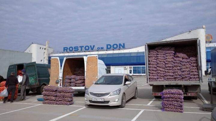 За торговлю в старом аэропорту Ростова начали брать деньги