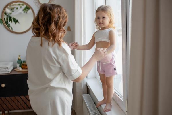 Соня Попова и ее мама Юлия собирали средства на операцию в течение восьми месяцев