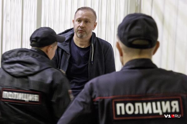 Как утверждает Алексей Зверев, ему еще нужно ознакомиться с двумя тысячами томов уголовного дела