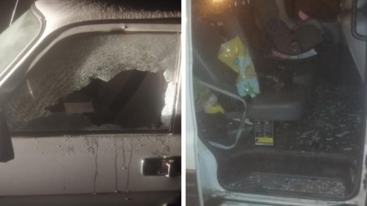 Пьяный дивногорец разбил стекла двух машин, празднуя свой день рождения