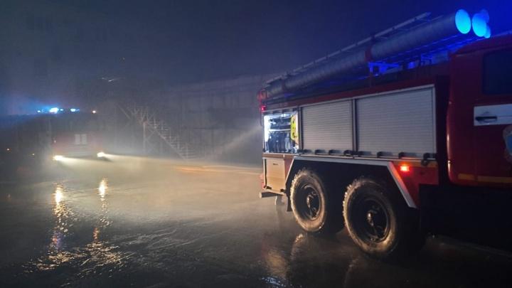 В Анапе загорелись склады на площади 600 квадратных метров