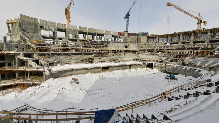 Гуляем по самой масштабной стройке в городе: как выглядит ледовая арена УГМК изнутри