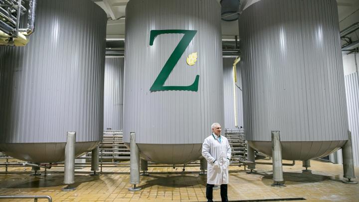 От привычной газировки до модной комбучи: фоторепортаж с завода ZELEN, где делают напитки на любой вкус