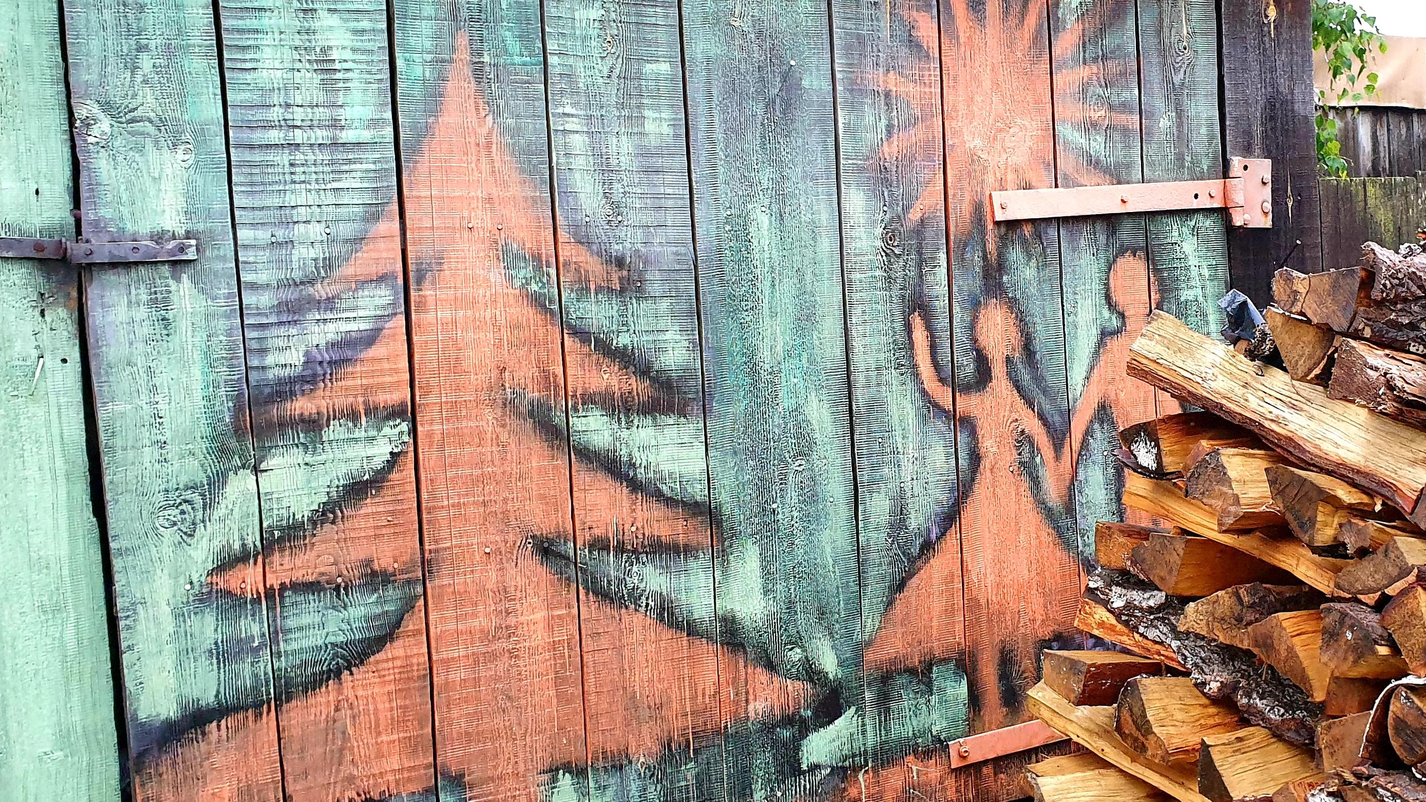 Место для хранения дров, кстати, тоже есть. Красивое пространство, как считаете? Пишите в комментариях