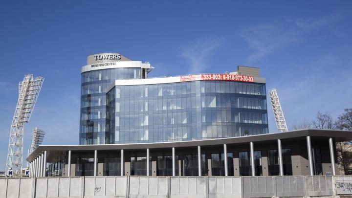 Украл 190 миллионов и не сел: дело застройщика, возводившего башни на площади Труда, прекращено