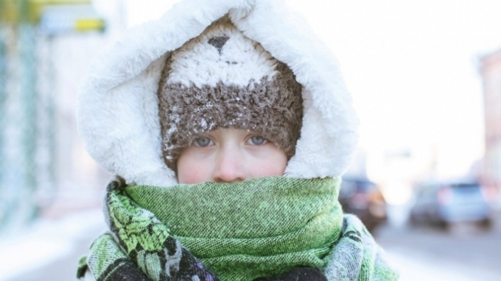 Ученики 1–9-х классов Тюмени не идут в школу из-за мороза