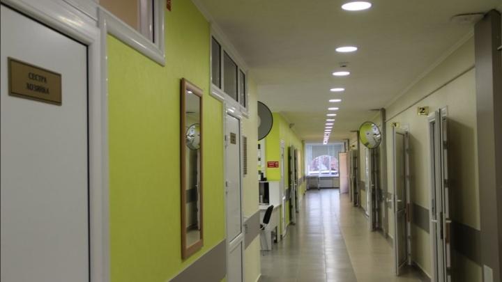 Тюменский хирург два года брал деньги за бесплатные операции. Его будут судить