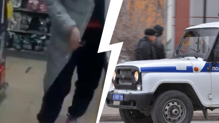 В Екатеринбурге пьяный покупатель кидался на продавцов с ножом за замечание по поводу отсутствия маски