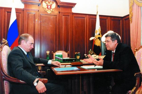 В 2015 году Тулеев поставил всероссийский рекорд, набрав на выборах 96,69% голосов избирателей