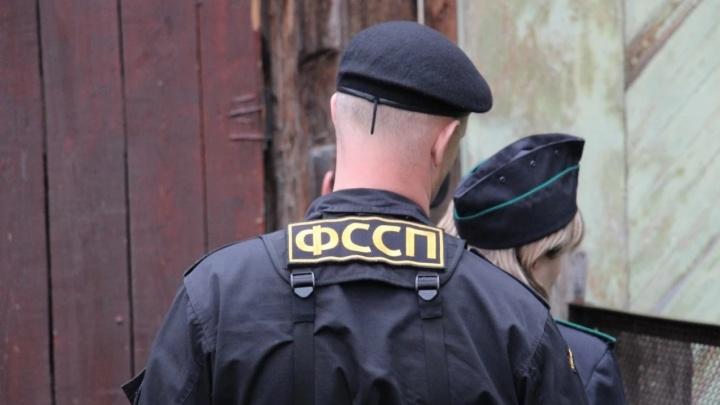 «Писали ребенку непристойности»: в Перми наказали коллекторов за угрозы и оскорбления семье должника