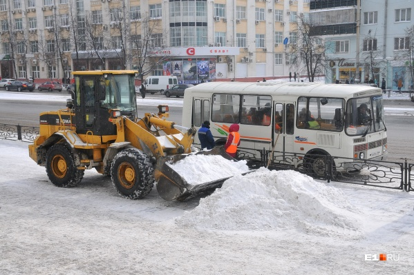 ДЭУ Ленинского района отвечает за уборку одного из самых оживленных участков главного проспекта Екатеринбурга