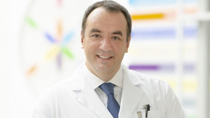 Главврач красноярского онкоцентра Руслан Зуков лежит в реанимации с коронавирусом