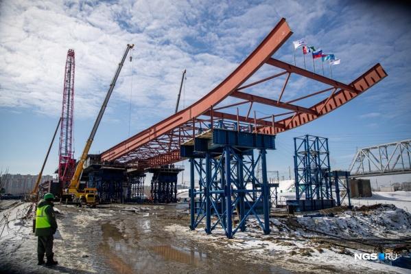 27 марта 2021 года строители началинадвигать пролетные строения четвертого моста