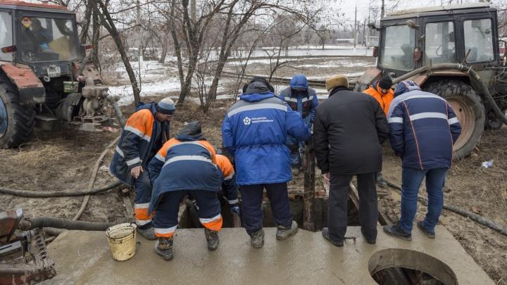 В Волгограде прорвало магистральный трубопровод в Краснооктябрьском районе