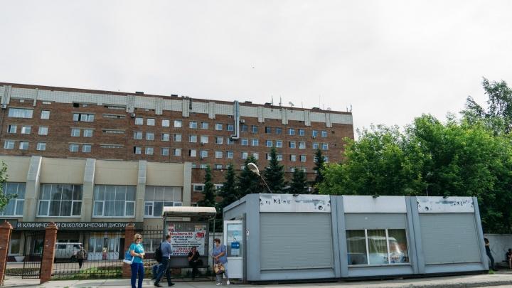 На омских остановках пообещали установить 236 павильонов. Публикуем места, где они точно появятся