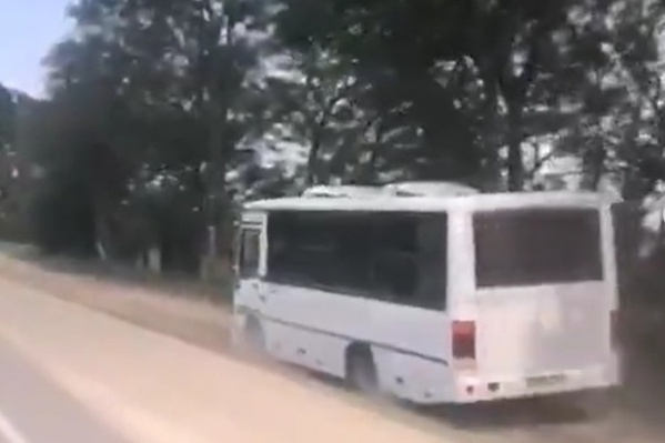 Водитель ехал за пределами проезжей части вдоль лесополосы