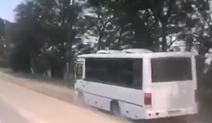 В Анапе оштрафуют маршрутчика, который объезжал пробку по обочине