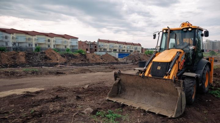 Власти назвали дату окончания строительства дороги на Верхнем бульваре в Кемерове
