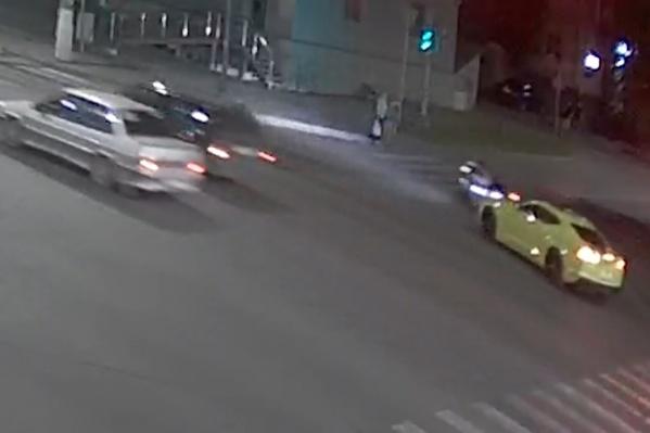 Авария произошла на пересечении проспекта Ленина и Пражской