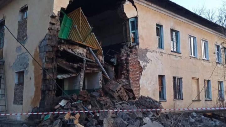 В Канске обрушилась стена двухэтажного жилого дома