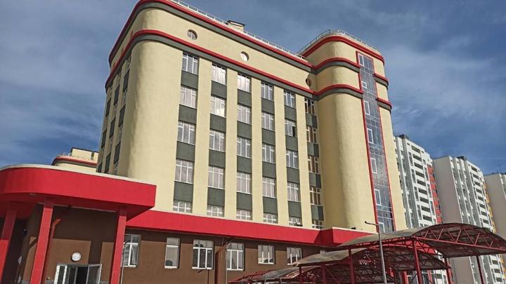 В Тюменской слободе достроили поликлинику. Ее должны были сдать год назад