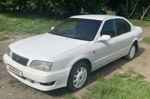 Такая «Тойота-Камри» 1996 года сейчас стоит около 200 тысяч рублей