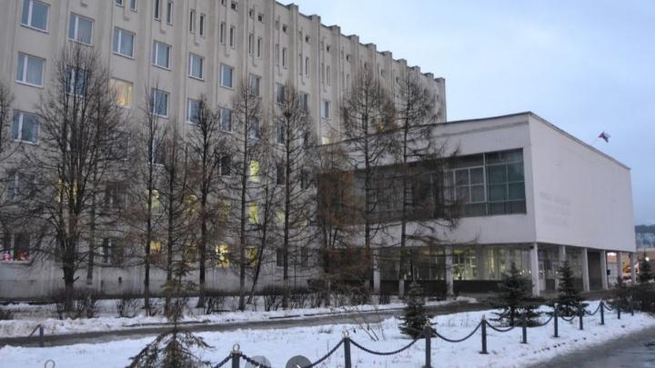 Замдиректора нижегородского филиала СамГУПС заподозрили в присвоении стипендий