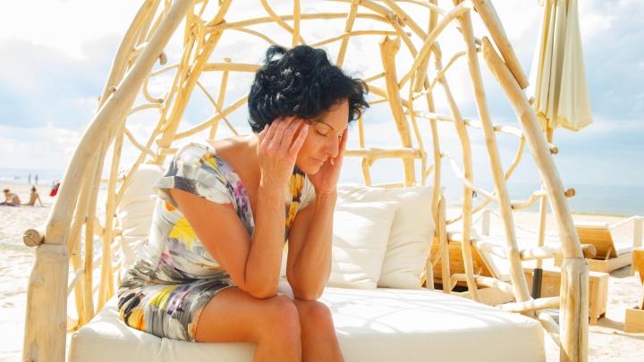 Дача, жара или что-то еще: почему болит голова и спина и как не пропустить опухоль